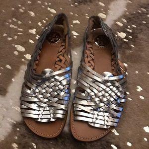EUC Tory Burch Woven Leather Metallic Sandals
